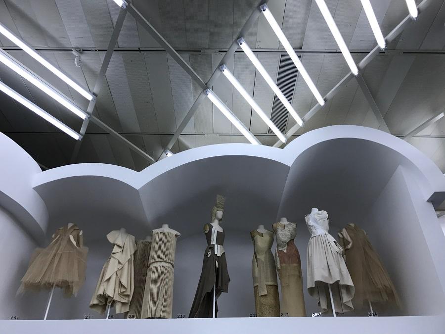 8 rei kawakubo comme des garcons art of the in between design forelements blog