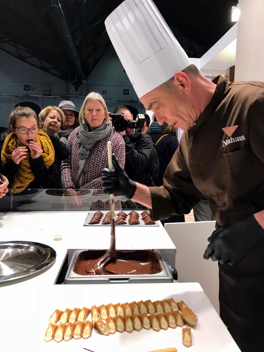 24 salon du chocolat ruby barry callebaut rozowa czekolada pokaz mody z czekolady forelements blog
