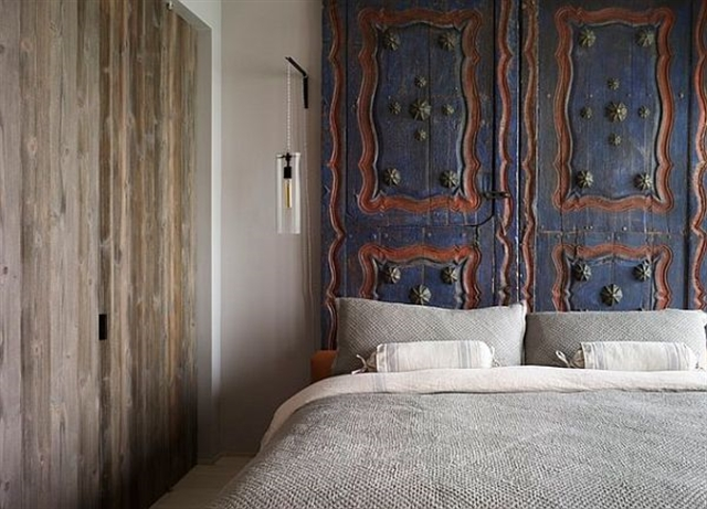 14_recovered_and_repurposed_old_doors_ideas_salvaged_and_recycled_interior_design_upcycling_in_home_pomysly_na_stare_drzwi_recykling_w_domu_pomysly_na_starocie_wnetrza_shabby_chi