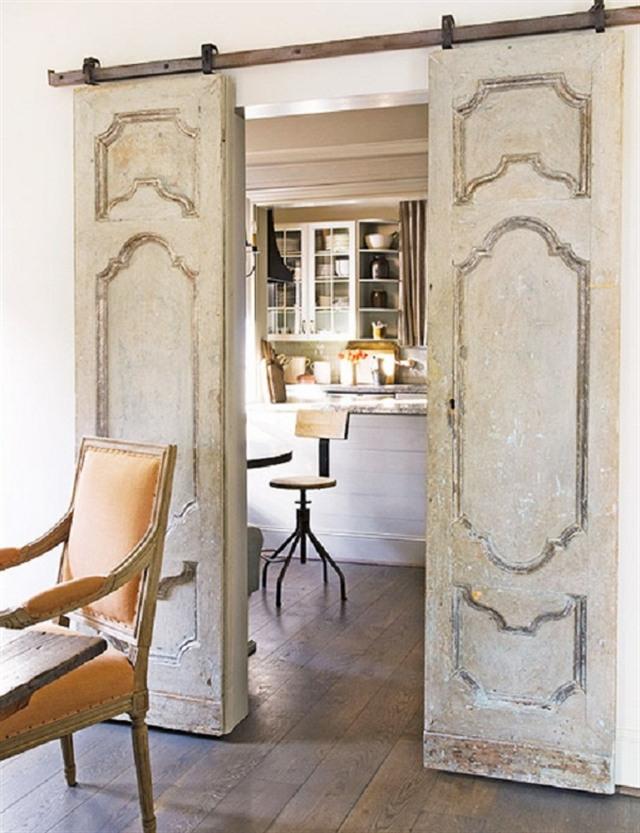 17_recovered_and_repurposed_old_doors_ideas_salvaged_and_recycled_interior_design_upcycling_in_home_pomysly_na_stare_drzwi_recykling_w_domu_pomysly_na_starocie_wnetrza_shabby_chi