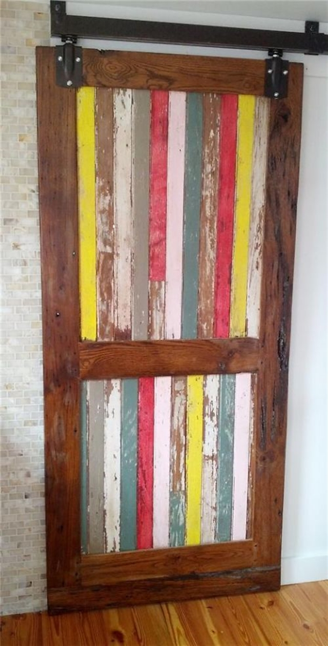 23_recovered_and_repurposed_old_doors_ideas_salvaged_and_recycled_interior_design_upcycling_in_home_pomysly_na_stare_drzwi_recykling_w_domu_pomysly_na_starocie_wnetrza_shabby_chi