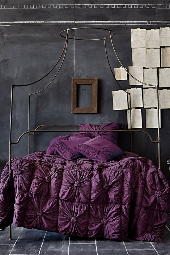 19_pantone_color_of_the_year_2014_radiant_orchid_purple_bedroom_interoir_design_purpurowa_sypialnia_projektowanie_wnetrz