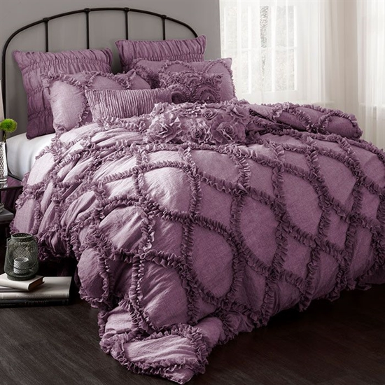 20_pantone_color_of_the_year_2014_radiant_orchid_purple_bedroom_interoir_design_purpurowa_sypialnia_projektowanie_wnetrz