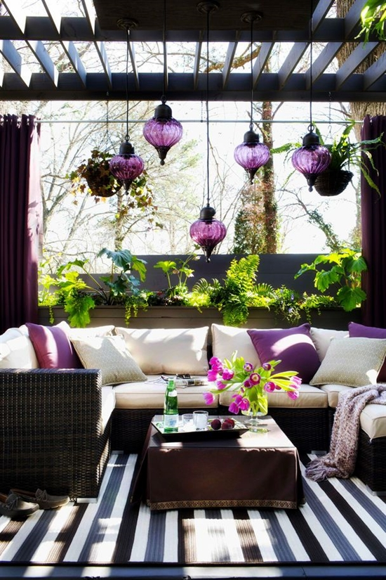 22_pantone_color_of_the_year_2014_radiant_orchid_purple_porch_interoir_design_purpurowa_weranda_projektowanie_wnetrz