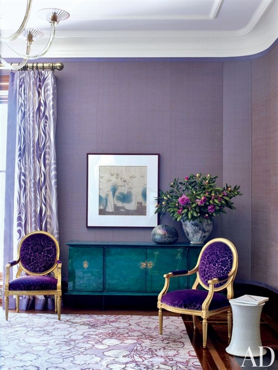 2_pantone_color_of_the_year_2014_radiant_orchid_purple_living_room_interoir_design_purpurowy_salon_projektowanie_wnetrz