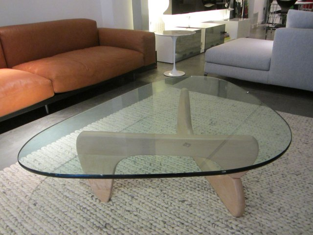 22_noguchi_coffee_table design icons designers furniture meble designerskie interior design projektowanie wnetrz stolik kawowy