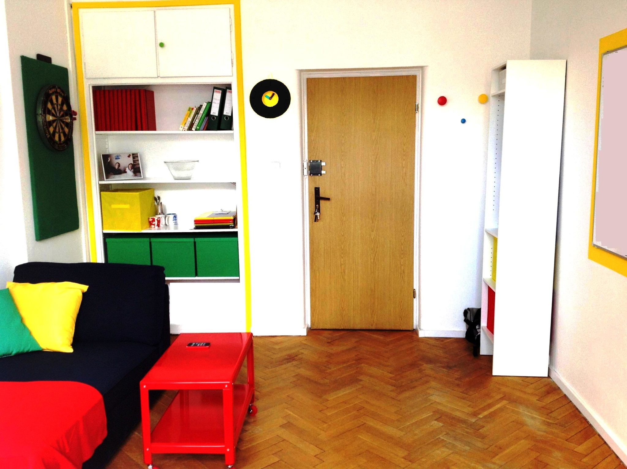 15 projekt wnetrza male kolorowe biuro interior design small colorful office google style forelementspl