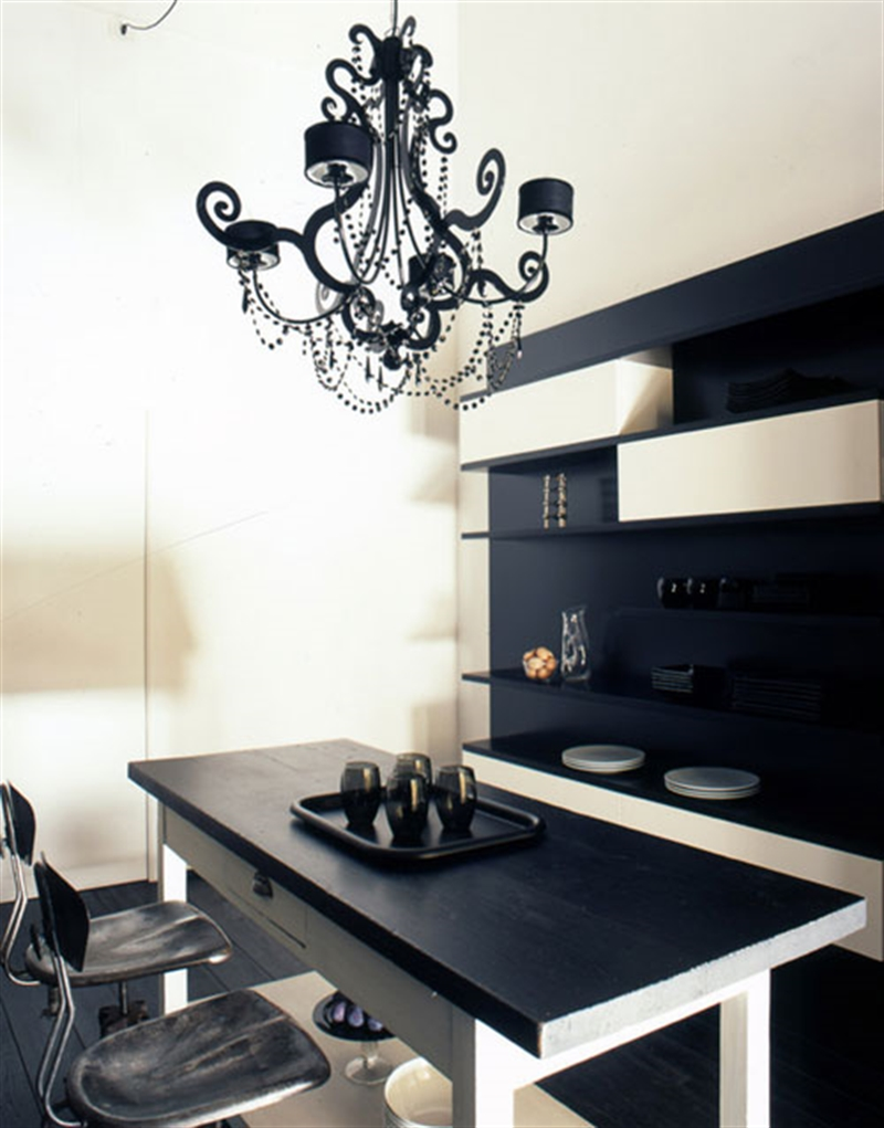 10_black_wall_paint_dark_interiors_glamour_style_interior_design_home_decorating_ideas_czarne_sciany_ciemne_wnetrza_projektowane_wnetrz_forelements_blog