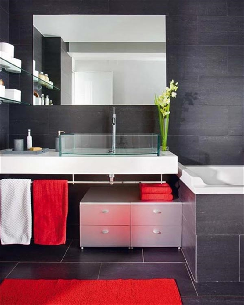26_bathroom_black_wall_paint_dark_interiors_glamour_style_interior_design_home_decorating_ideas_czarne_sciany_ciemne_wnetrza_projektowane_wnetrz_forelements_blog