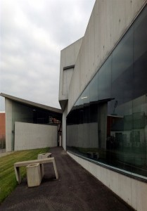 9 zaha_hadid_modern_architecture_interior_design_icons_great_projects_vitra_design_museum_forelements_blog