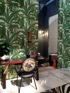 28 versace_home_furniture_collection__interior_design_home_decor_colorful_apartment_bold_patterns_forelements_blog