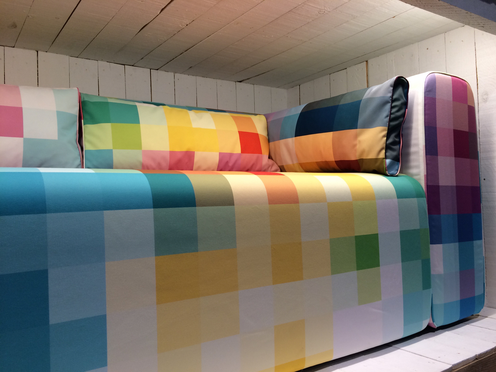 19 mixed_patterns_furniture_design_imm_cologne_interior_trends_trendy_we_wnetrzach_jakie_wybrac_meble_forelements_blog