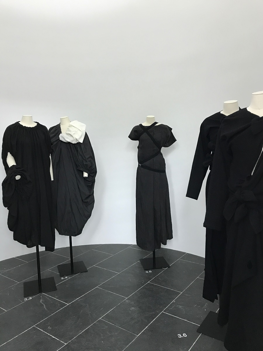 12 rei kawakubo comme des garcons art of the in between fashion forelements blog