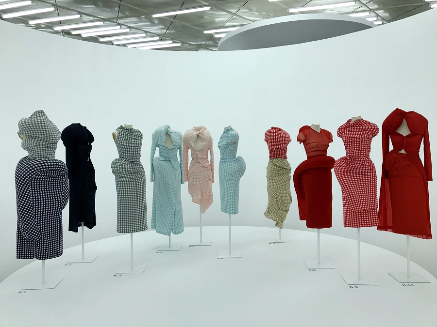 40 rei kawakubo comme des garcons art of the in between object subject forelements blog